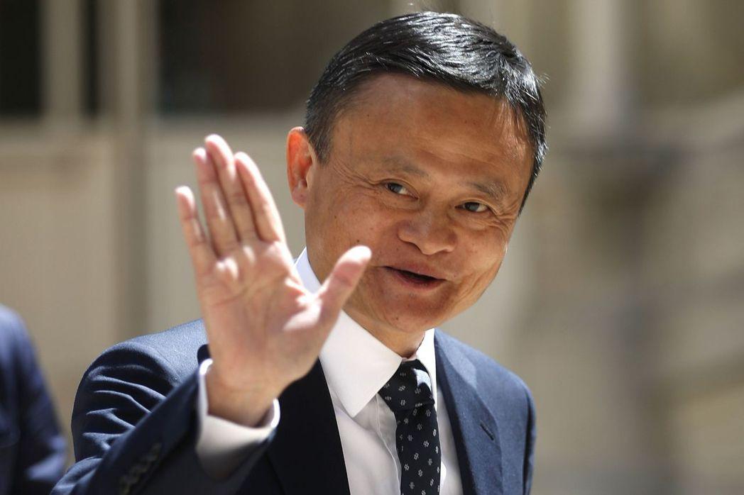 在彭博億萬富翁指數中,現年56歲的馬雲財富淨值將達到716億美元,成為全球第11...
