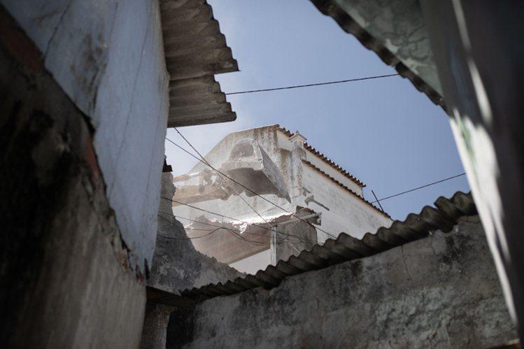葡萄牙攝影師貢伽羅・方塞卡(Gonçalo Fonseca)的得獎作品《新里斯本...