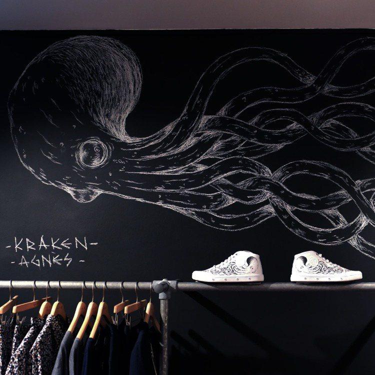 agnès b. x Spring Court聯名網球鞋,結合巴黎藝術家Krak...