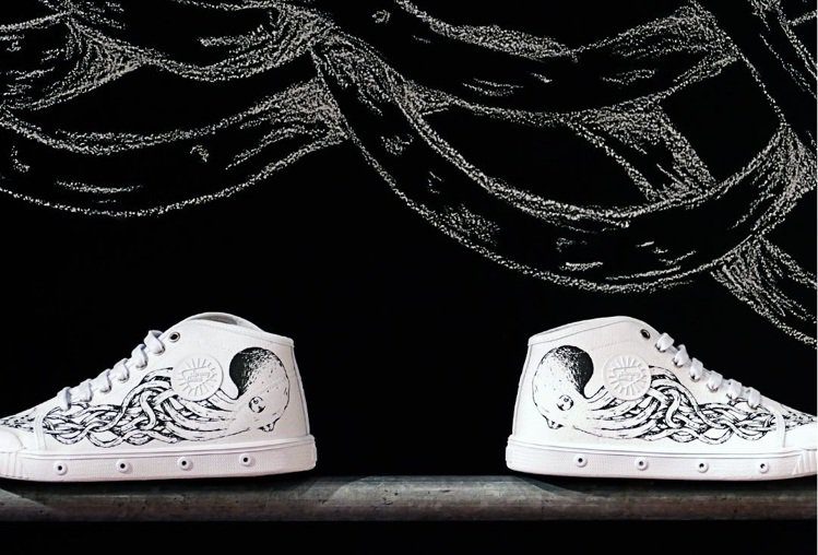 agnès b. x Spring Court聯名網球鞋,9,580元。圖/ag...
