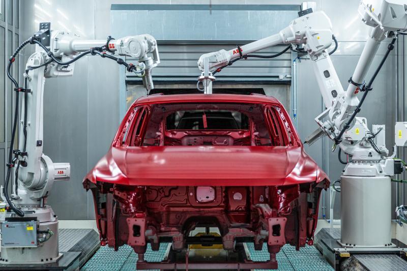 圖為上汽大眾MEB工廠的檢測機器人。圖/取自《上觀新聞》
