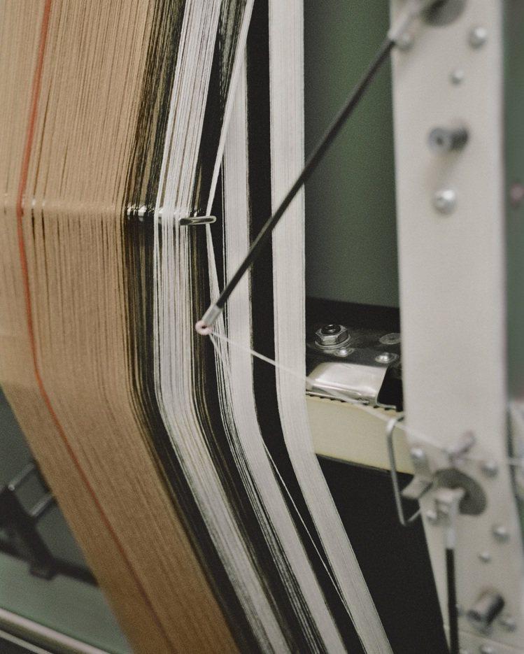 自一九○○年起,Burberry即開始與家族經營的蘇格蘭紡織廠合作製作圍巾。圖/...