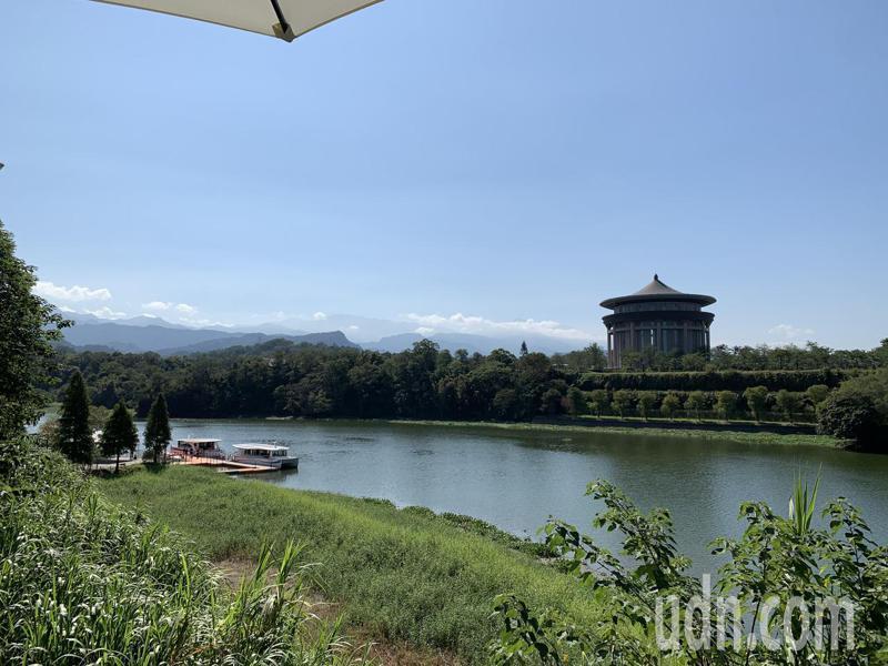 峨眉湖未來將朝日月潭等級的觀光地進行改造,希望吸引更多遊客前來遊湖觀光。記者巫鴻瑋/攝影