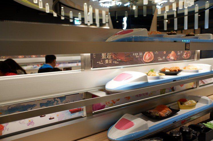 「點爭鮮」訴求現點現做,主打用新幹線直送壽司。記者江佩君/攝影