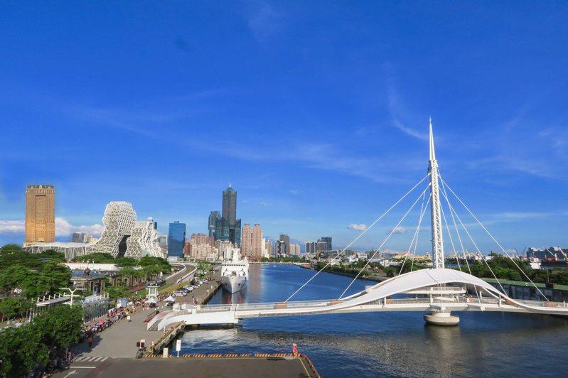 高雄最新建設群聚、最新潮的領域非「亞洲新灣區」莫屬,漢來大飯店就座落在亞灣區起點。業者提供
