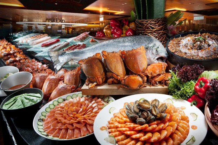 秋冬正是品嘗海鮮的季節,「旅展限定一泊二食專案」可收時令之美。圖/高雄漢來提供