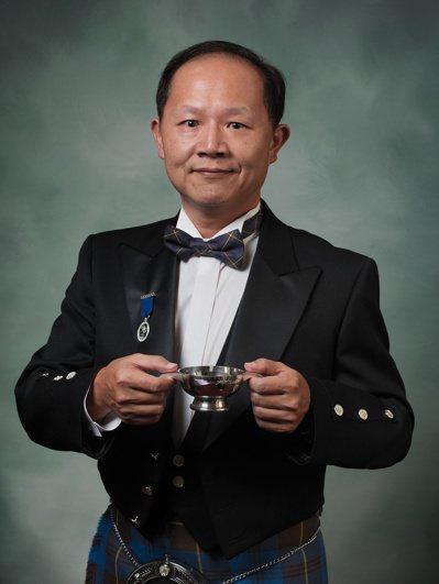 邱德夫於2015年成為蘇格蘭威士忌雙耳酒杯執持者協會終身會員。圖/邱德夫提供
