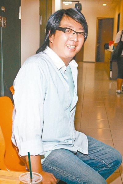 袁惟仁還在昏迷中。 本報資料照片