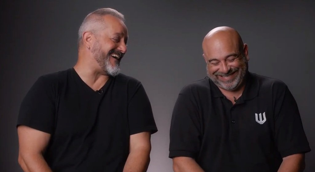 Chris(左)和Mike(右)談到Warchief的前景時,氣氛愉悅輕鬆