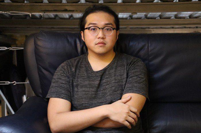 張弘榤導演跟隨祁家威三年時間拍攝紀錄片。 圖/吳旻諼提供