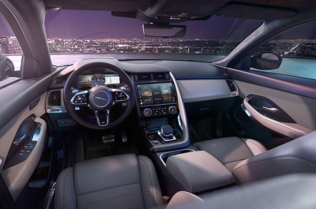 原廠針對E-Pace內裝質感也做了大幅更新。 圖/Jaguar提供