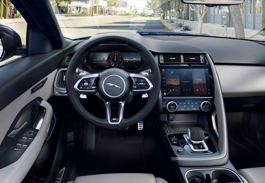 12.3吋虛擬儀表板加上11.4吋無邊框中央曲面玻璃觸控螢幕。 圖/Jaguar...
