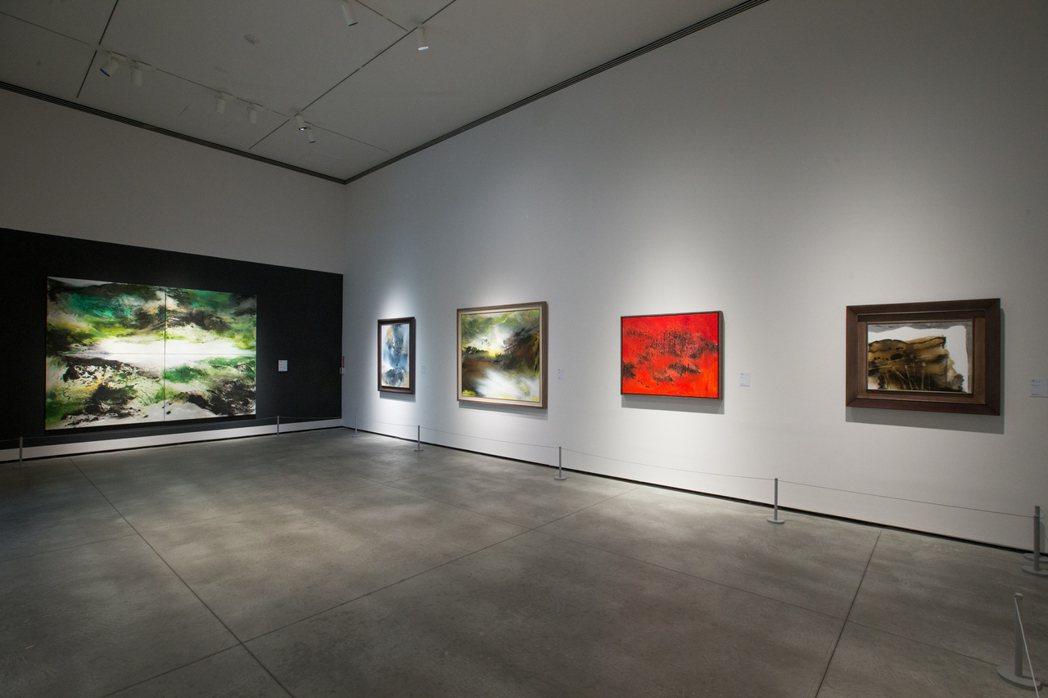 張淑芬畫畫14年,首次舉行個展,「愛。無盡」在台南美術館登場。記者陳立凱/攝影