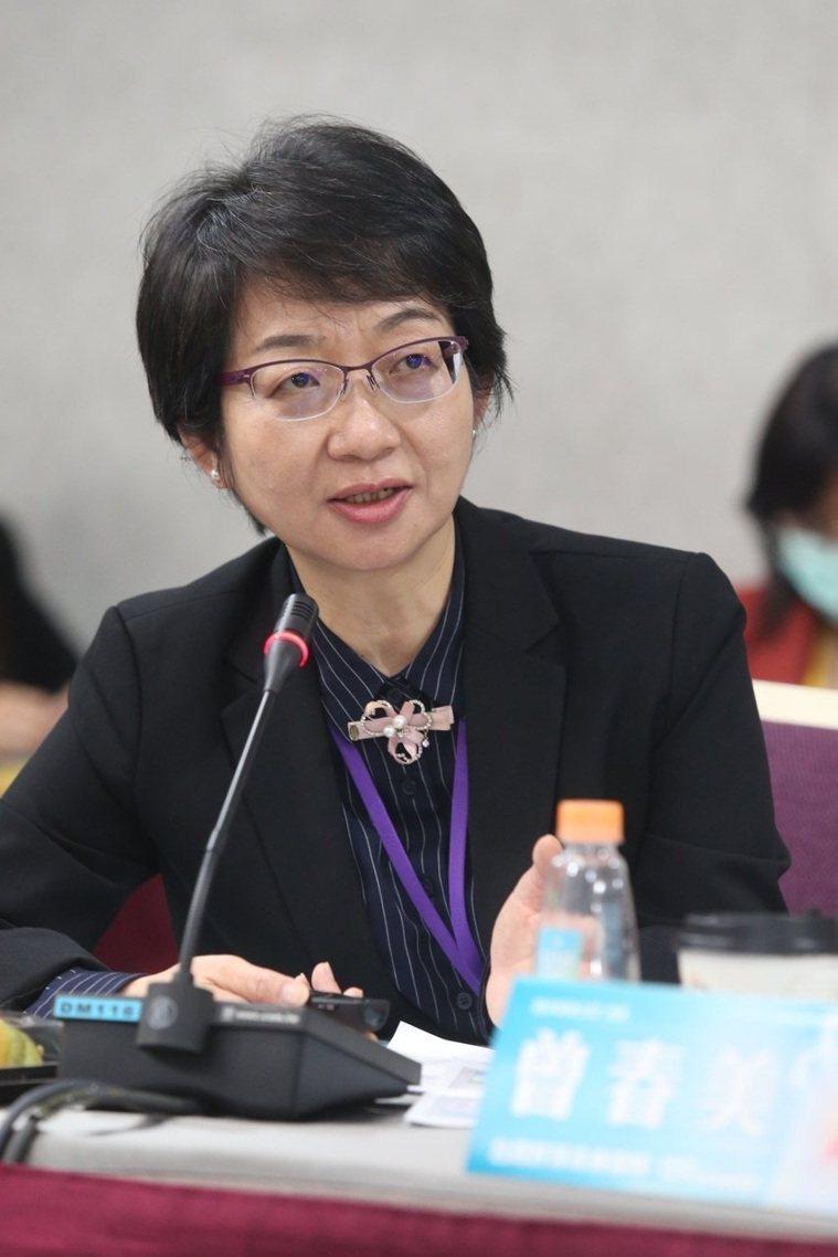 苗栗縣衛生局長張蕊仙在「台灣肝淨未來論壇」時分享苗栗防治經驗,她說,白米、衛生紙...