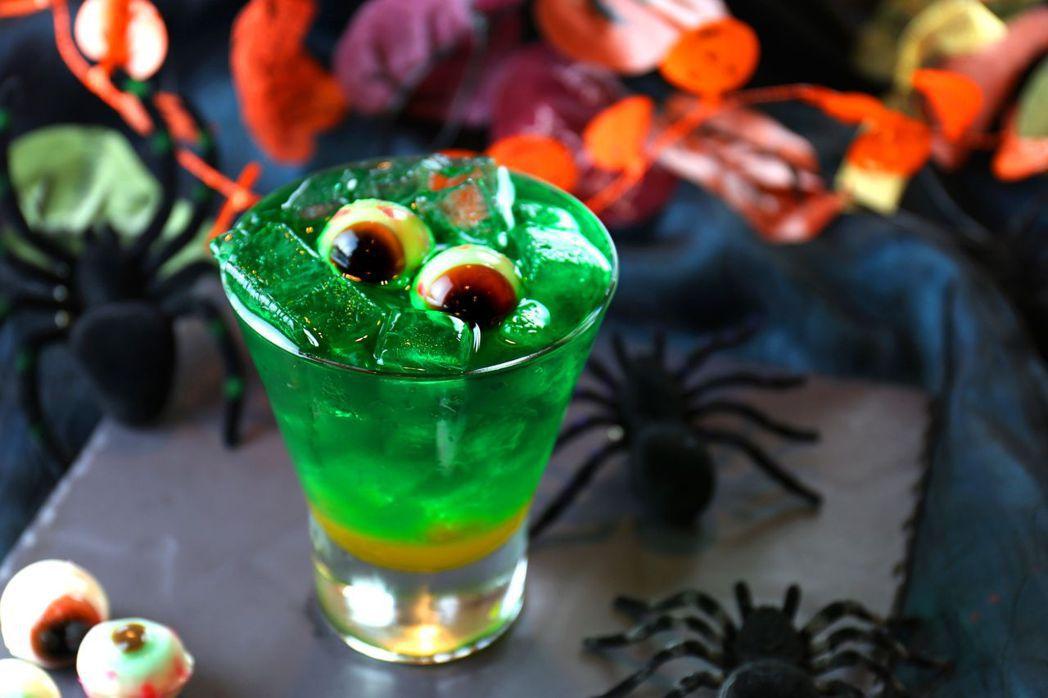 萬聖節期間房客免費兌換驚奇飲料 1份。  富信大飯店 提供