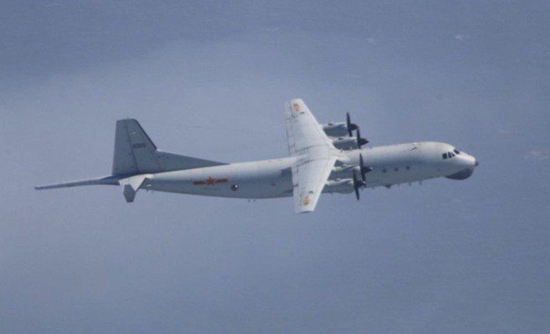 中共軍機近日不斷擾台。圖為中共運8反潛機。 圖/國防部