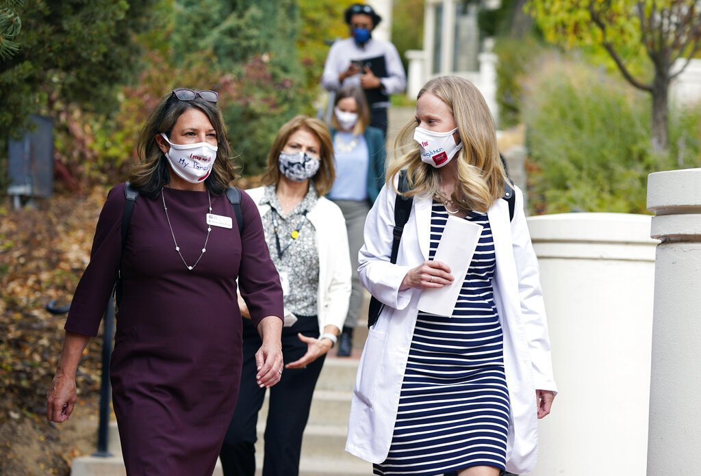 美國疫情升溫,包括威斯康辛州、阿拉斯加州及科羅拉多州等,相繼創下單日確診新高紀錄...