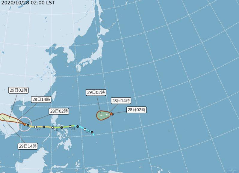 中央大學大氣科學系兼任副教授吳德榮在「三立準氣象.老大洩天機」專欄表示,根據中央氣象局「路徑潛勢預測圖」顯示,菲律賓東方海域的「熱帶擾動」已增強為「熱帶低壓」,朝菲律賓中部前進,今日將發展成第19號颱風「天鵝」。圖/氣象局提供