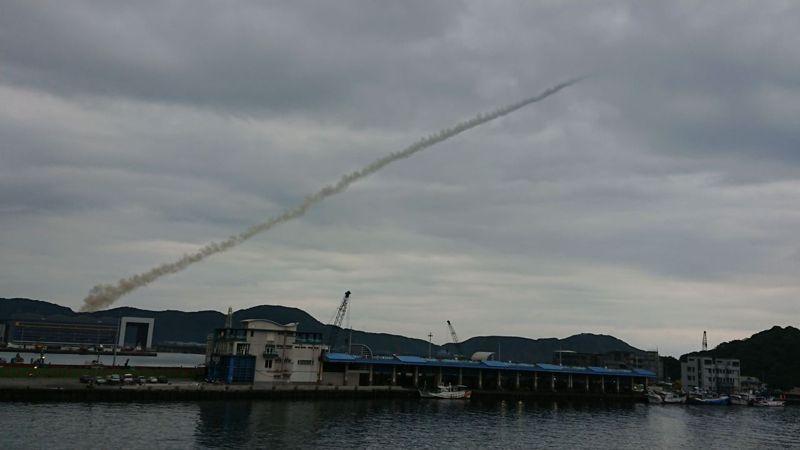 蘇澳海軍基地今早射出一枚靶彈。圖/李姓軍事迷提供