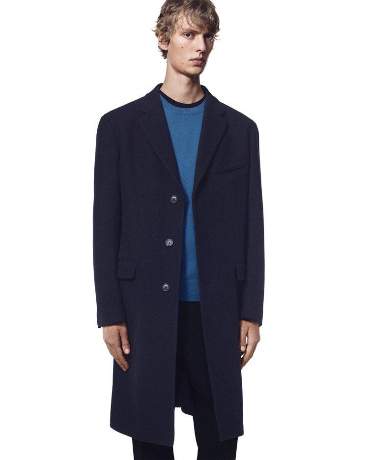 +J羊毛混紡徹斯特大衣7,990元。圖/UNIQLO提供