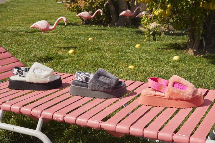 DISCO厚底毛絨拖鞋,4,500元。圖/UGG提供