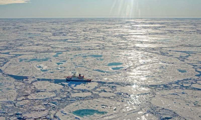 俄國研究船「克爾德什院士號」上科學家,在東西伯利亞海岸的大陸坡發現甲烷濃度異常高。圖/取自臉書