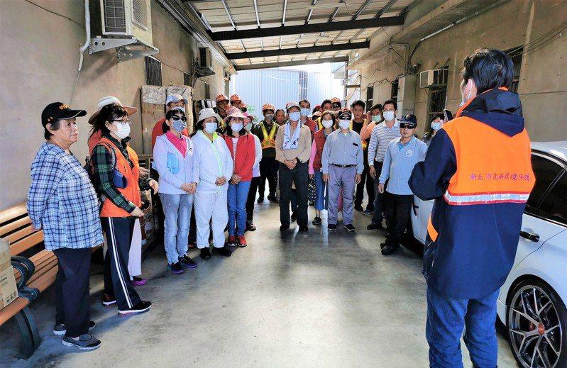 新北市林口區公所號召各單位推動孳生源清除工作,強化登革熱防治工作。圖/林口區公所提供
