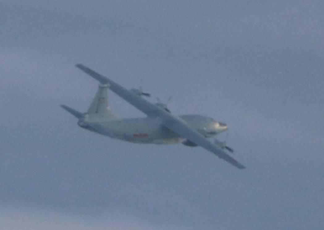 共機今天接續進入我西南空域防空識別區,繼上午一架運9通訊對抗機進入我防空識別區活...