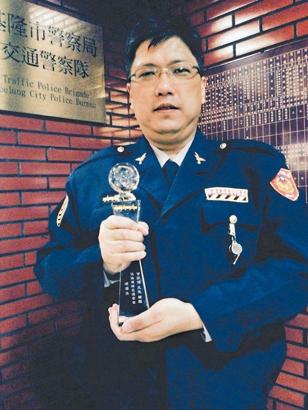 曾振偉曾獲得交通部金安獎。 圖/牟玉珮 攝影
