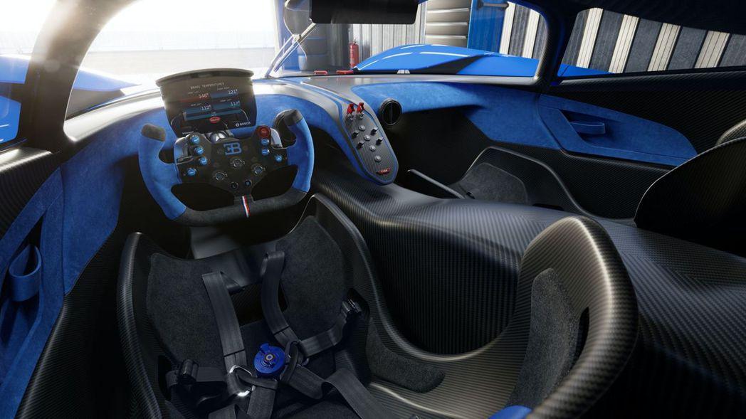 Bugatti Bolide唯一稱得上豪華的部分就是還有兩個座位。 圖/Buga...
