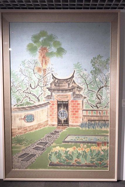 「不朽的青春」現場展出1939年郭雪湖描繪霧峰林家花園的膠彩畫作《萊園春色》原畫。 圖/作者自攝