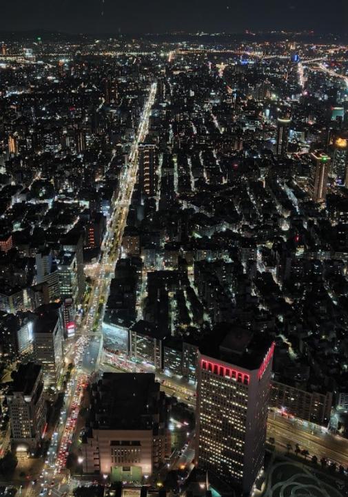 Samsung Galaxy Z Fold2 5G支援夜間模式,不論何處的旅遊夜...