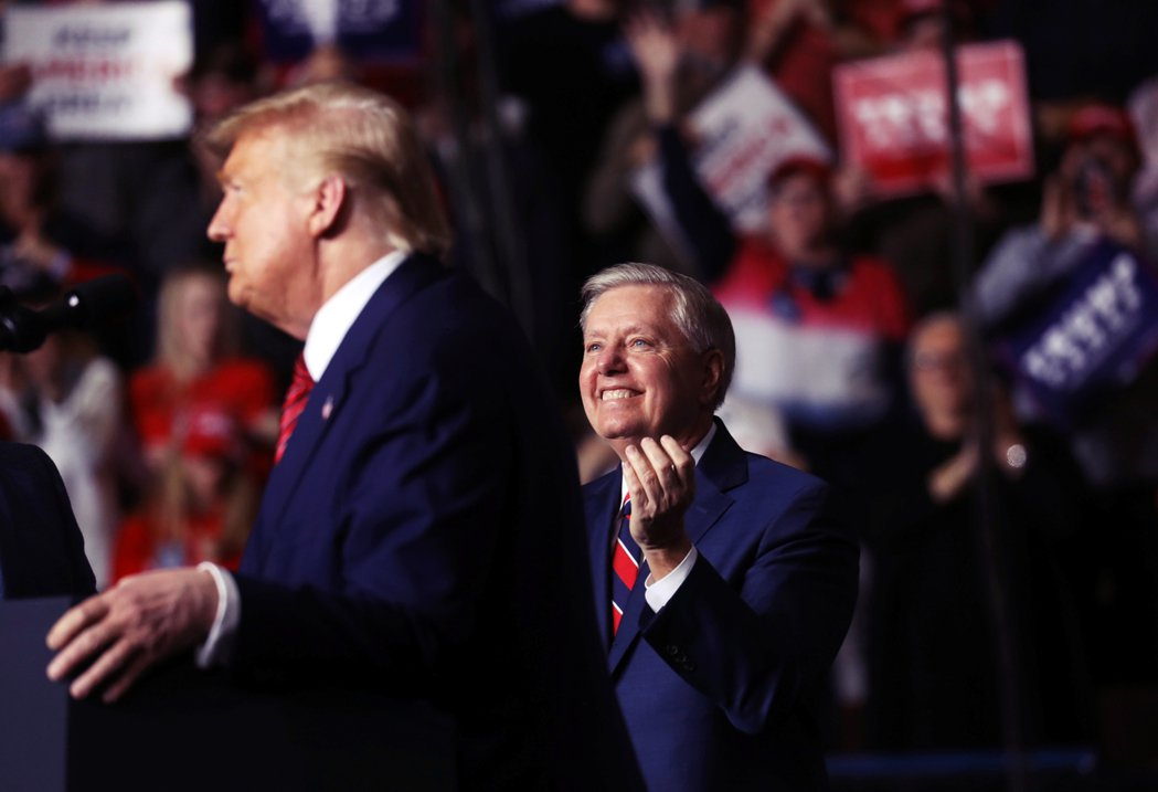 「川普根本不是共和黨人,也不是保守派!」在2016年共和黨總統初選前,也曾出馬角...