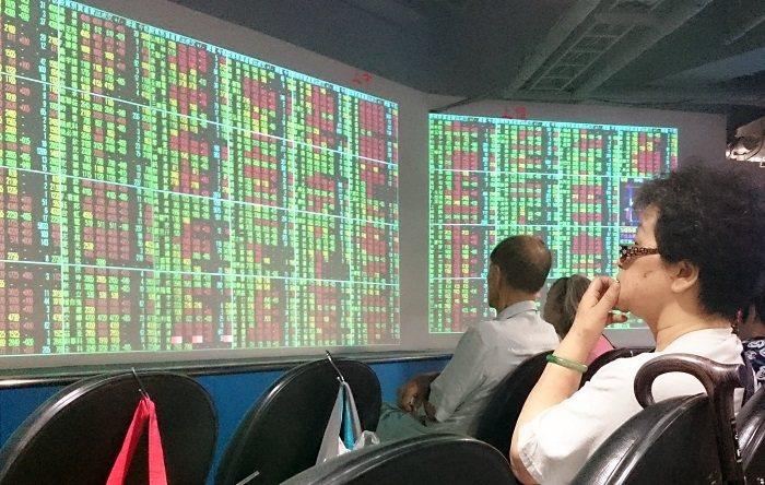 台股開低走低,一度下探至12,583.37點,重挫逾200點。聯合報系資料照