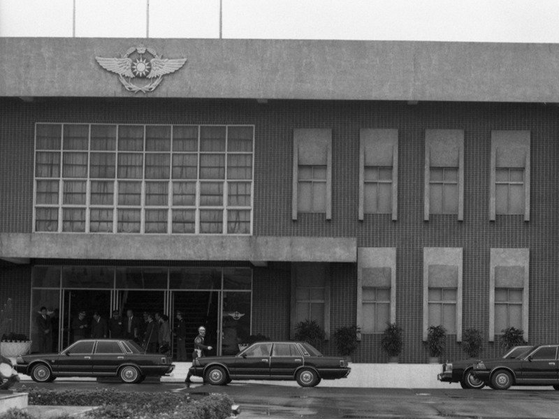 1989年2月21日,在台東志航基地擔任中校輔導長的林賢順,駕駛F-5E叛逃中國大陸,當時監察院也針對此案啟動調查。圖/聯合報系資料照片
