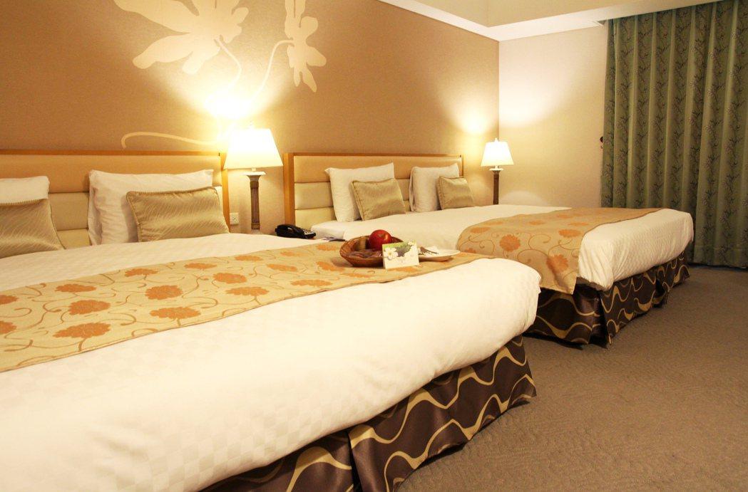 二人成行原價約15,000元的劍湖山渡假大飯店高級客房加蔚藍西餐廳早餐、晚餐,及...