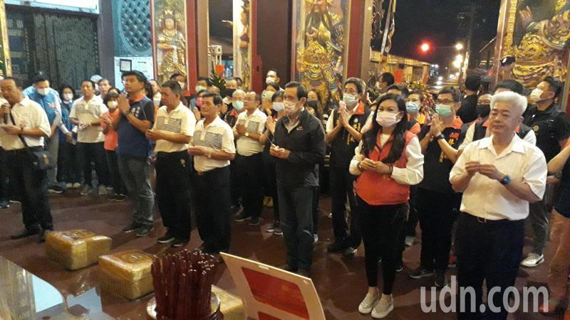 前總統馬英九到台南永康大灣南巡宮參拜。記者周宗禎/攝影
