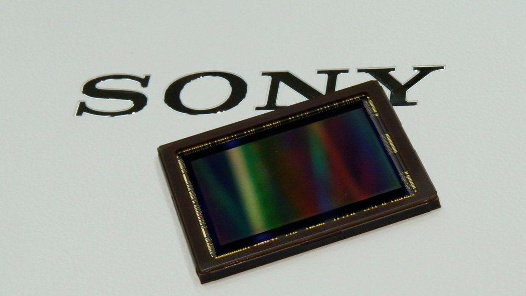 據傳Sony已獲得美國政府許可,能夠恢復對華為供應影像感測器。 路透