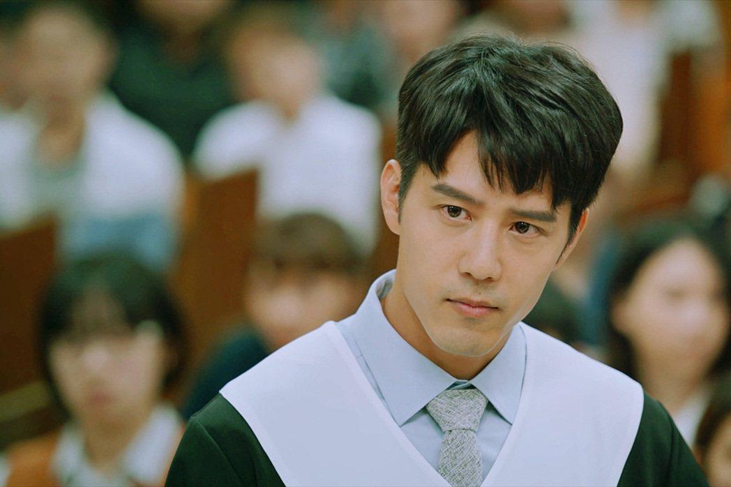 胡宇威主演「王牌辯護人」為律師角色下足苦工。圖/東森提供