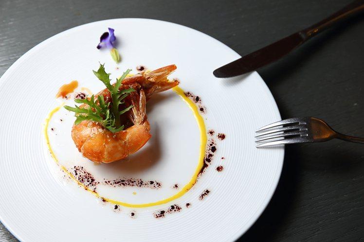 經典美極生抽國王大蝦,每份450元。記者陳睿中/攝影