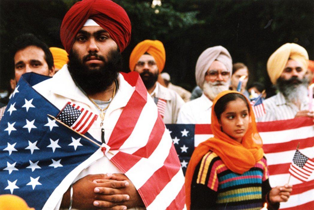 將近有65%的印度裔支持民主黨。這與他們擁有高等學歷、高社經地位、具有流利的英文...