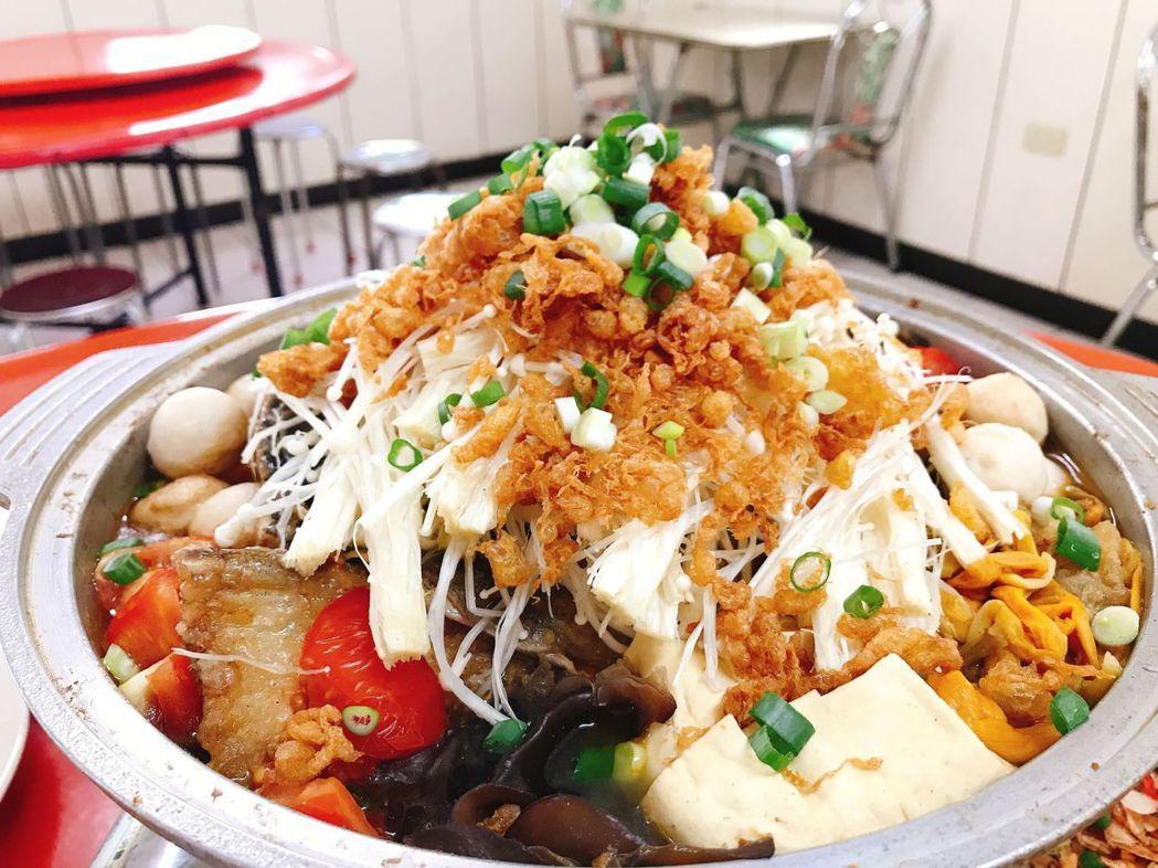 馬賴小吃的砂鍋魚頭。 健行科大/提供。