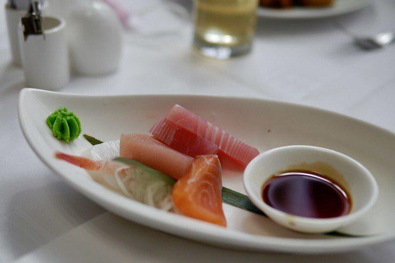 新鮮的生魚片。