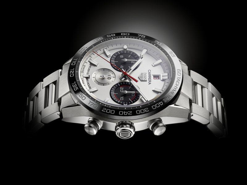 為了慶祝Carrera推出160周年,泰格豪雅呈現紀念計時碼表的最後一塊拼圖「Carrera Sport H02腕表」。圖/TAG Heuer提供