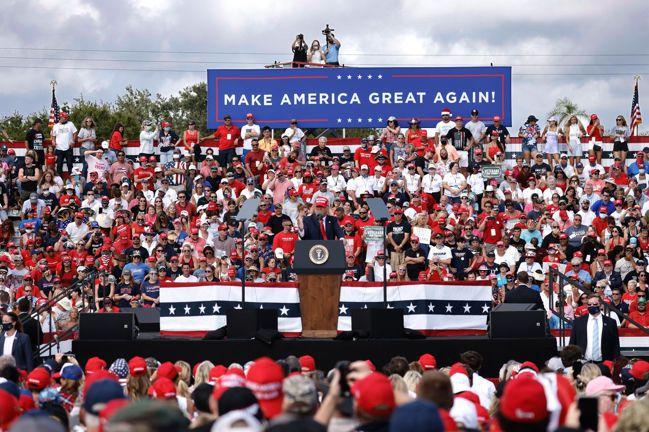 川普也29日也在佛羅里達州宣傳造勢。歐新社
