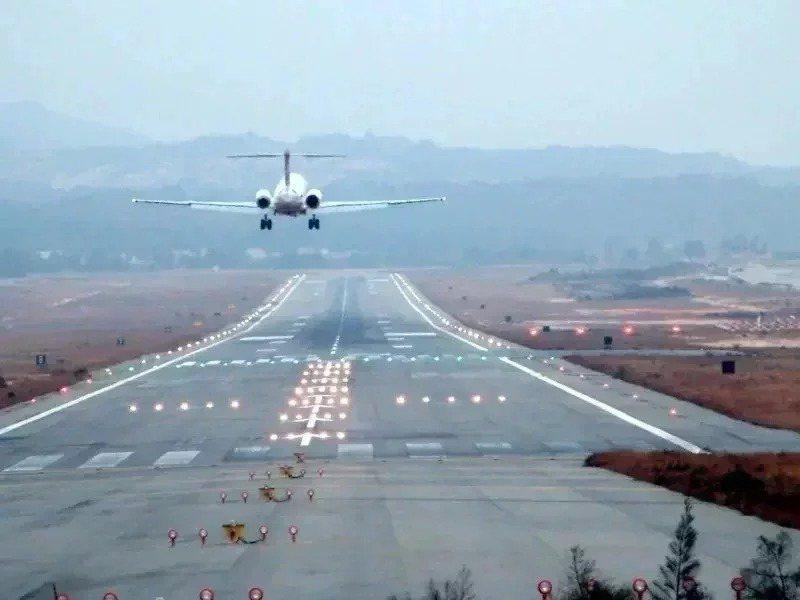 明年元旦連假,澎湖、金門、馬祖三離島管制航線將提供990架次。本報資料照片