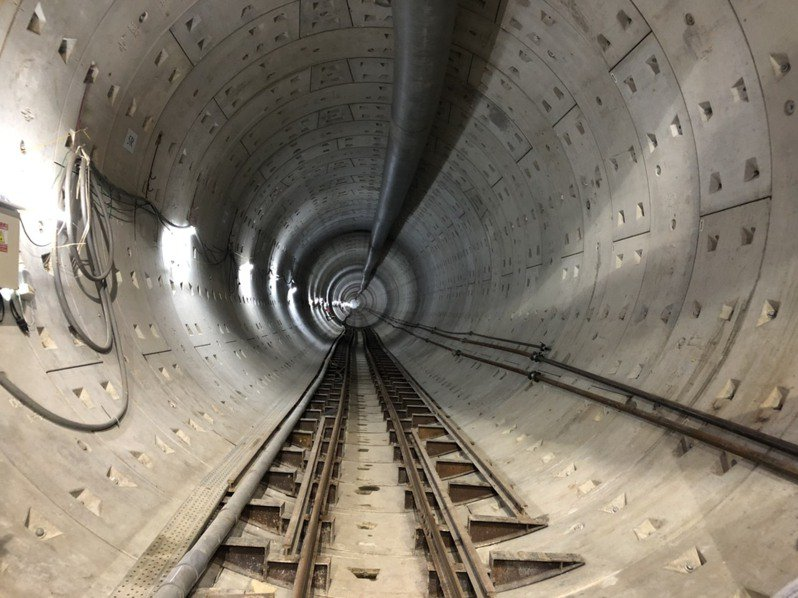 為了避免破壞遺址,捷運工程把車站縮短,深度往下降,分為地下3層車站。記者潘永鴻/攝影