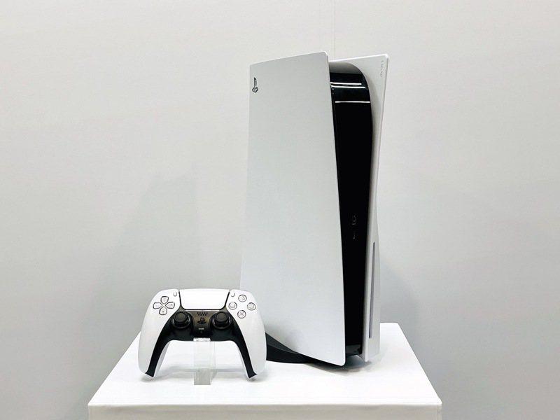 眾玩家引頸期盼PS5於今日正式在台上市。記者黃筱晴/攝影