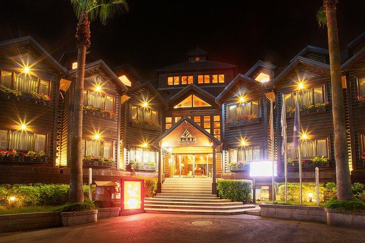 力麗儷山林會館以全檜木打造而成,被譽為「亞洲第一大木屋」。圖/力麗觀光提供