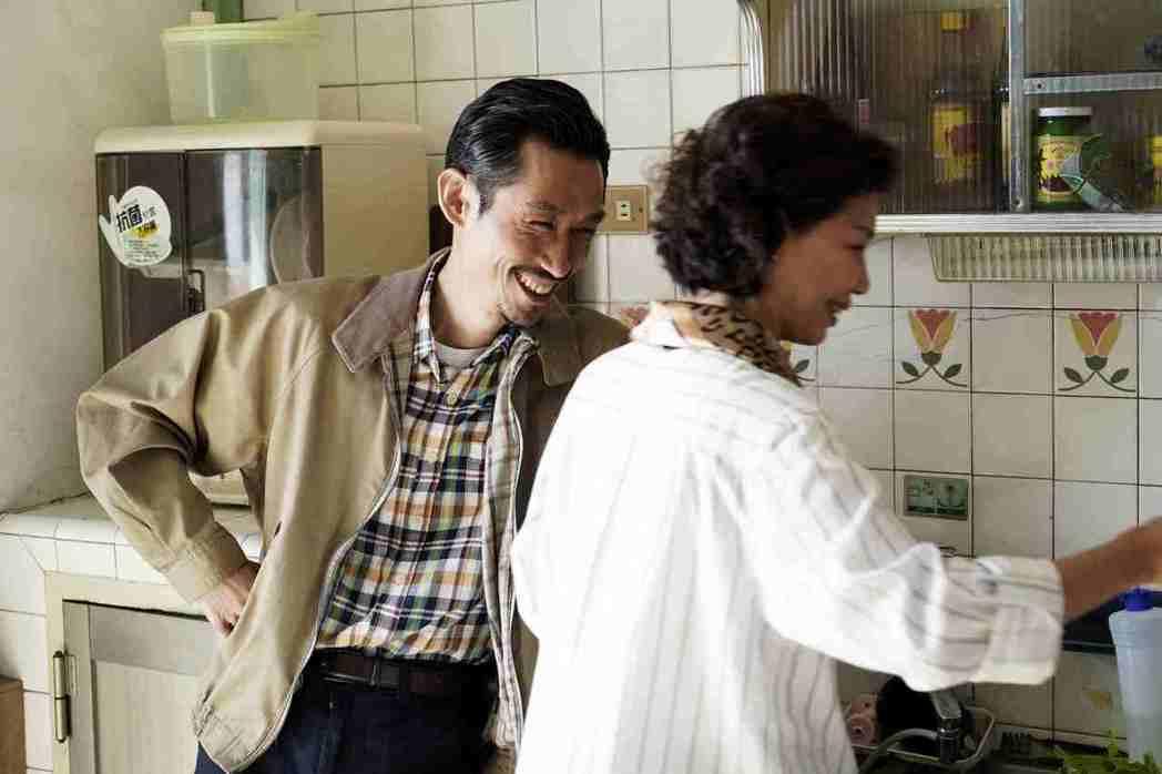 于子育(右)、陳竹昇在「俗女養成記」中飾演夫妻,戲外感情好到像「閨蜜」。圖/公視...